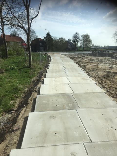 Mijdrecht geleverd voor tijdelijk fietspad 150 betonplaten 200x200x014 stroef