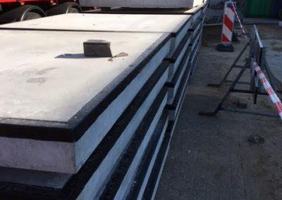 Nijmegen geleverd Betonplaten 200x200x016 met hoeklijn, nieuw