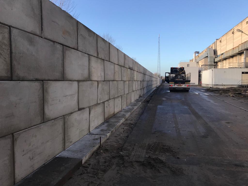 Betonblokken geleverd te Nijmegen