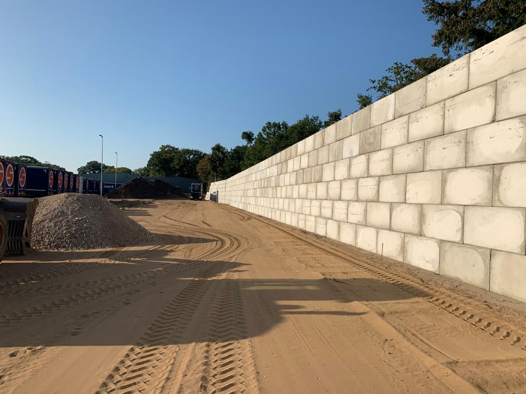 Erik van Ooijen betonplaten betonmuur